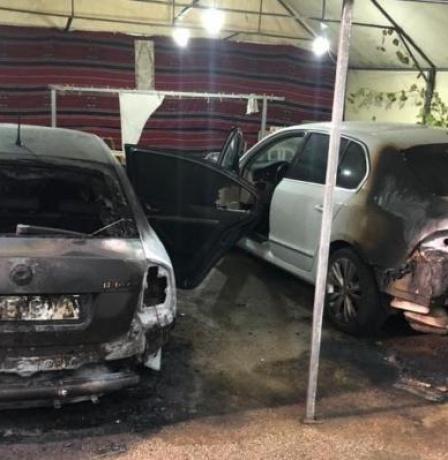إضرام النار بسيارتين لعضو في مجلس كفر مندا