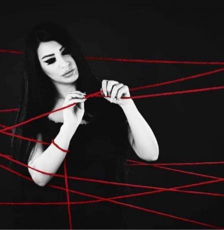 """الفنانة الفلسطينة إلهام روحانا تحتفل بنجاح ألبومها """"خيط مقطوع"""""""