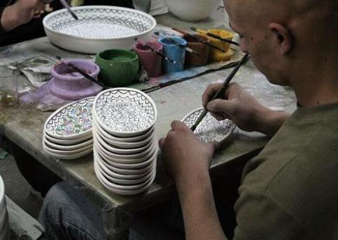 الصناعات التقليدية.. تاريخ وثقافة ومصدر لتنمية الدخل القومي