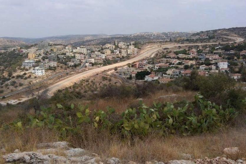 17 إخطار هدم في قريتي سنيريا وبيت أمين
