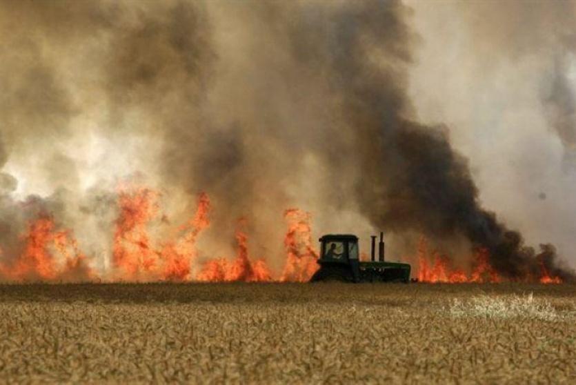 ارشيف- حرائق في المستوطنات المحاذية لقطاع غزة